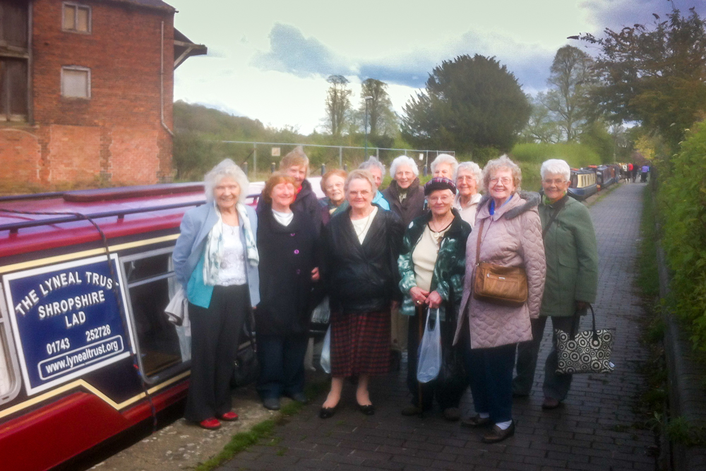 canal day trip for the elderly